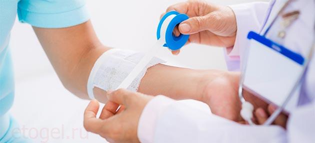 Как наносить гель или мазь на рану